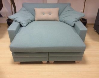 Day bed / Loveseat